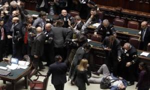 Grillini: inaccettabile comportamento in Parlamento